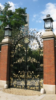 Earls Ct gates restored